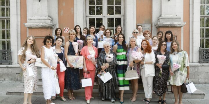 """An enchanting business breakfast was held on Tverskoy Boulevard. The place where the poets ' dream women lived, in the Russian cuisine restaurant """"Cafe-Pushkin""""."""